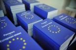 Non stampano euro, mai i passaporti sì