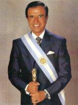 Menem_con_banda_presidencial